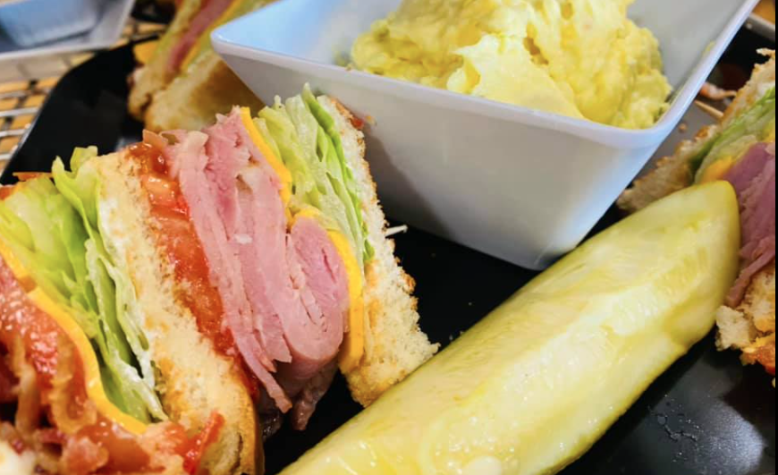 Sandwich with Pickles